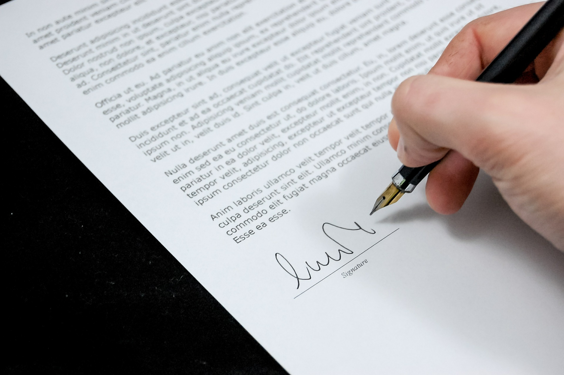 Der erste Schritt zum neuen Arbeitsvertrag ist das perfekte Bewerbungsfoto.